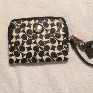 NWOT Black & Cream Coach Wristlet Bag